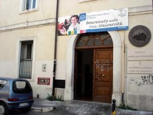 unifgStudi umanistici, l'edificio di via Arpi 155